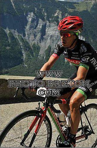 Winnaar BERTUOLA ALESSANDRO tijdens Granfondo Les Deux Alpes